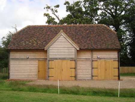 Two storey oak-framed barn – Hitchin